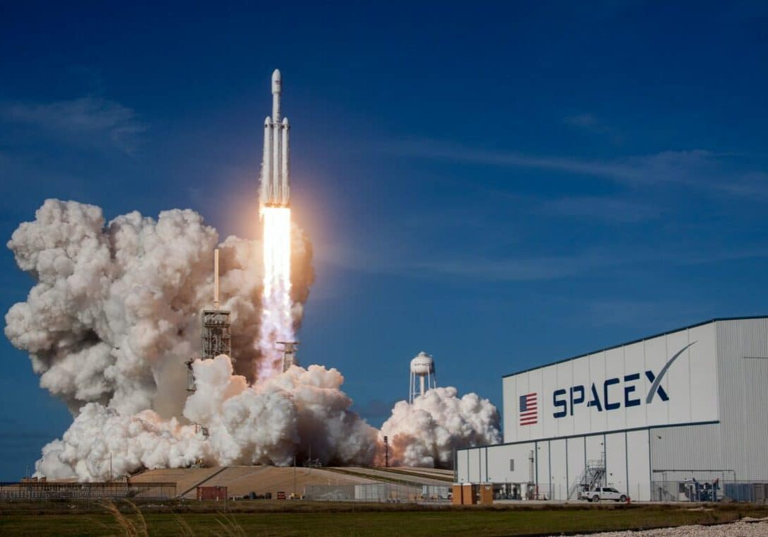 The commercial space flight industry is taking off—inspiring travelers and investors to reach for the stars with content strategy centered around aspiration.